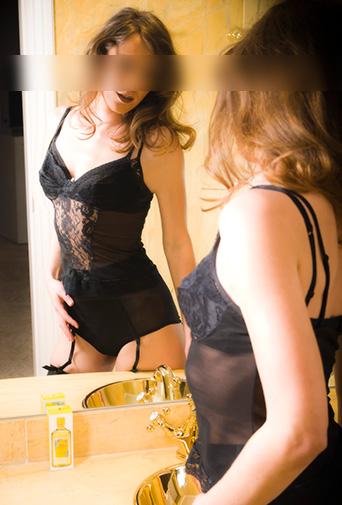 Elena modelo lencería