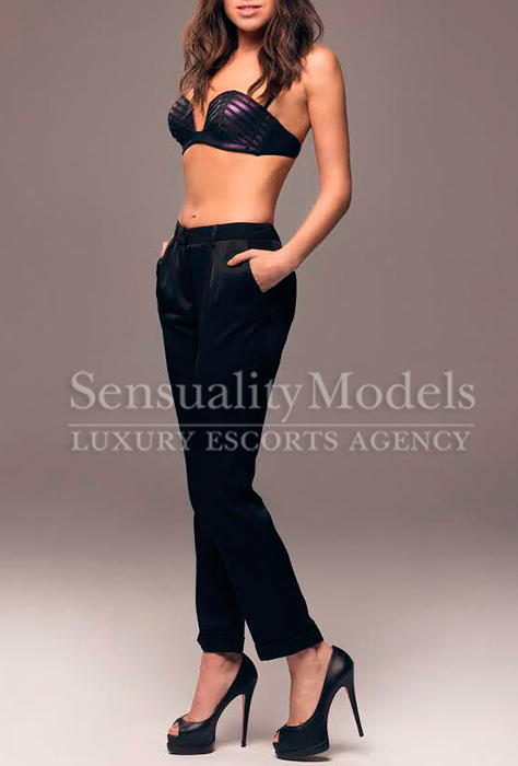 Paola vip escort girls madrid