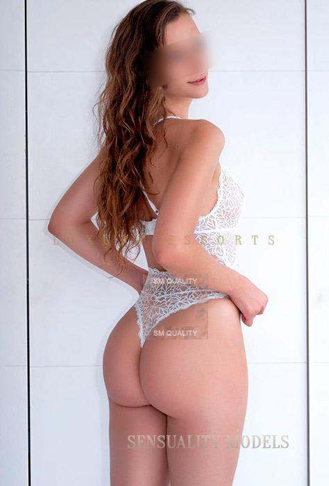 joven española