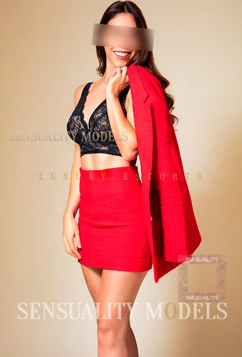sensual mujer en rojo