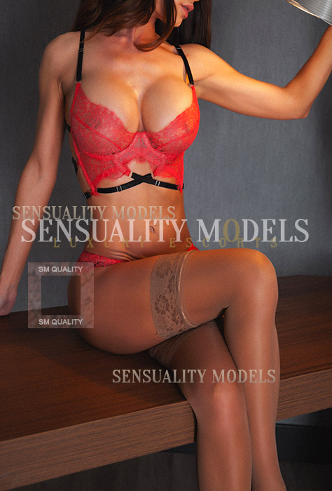 Nina Top model and vip escort of Madrid price is 600 euros