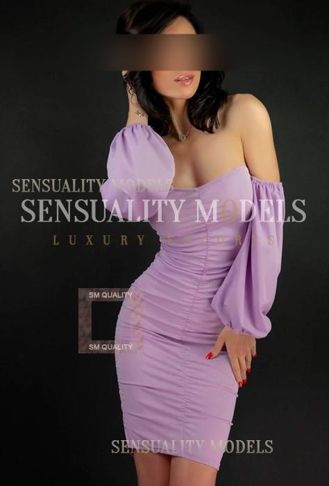 muy sexy con cuerpo tonificado